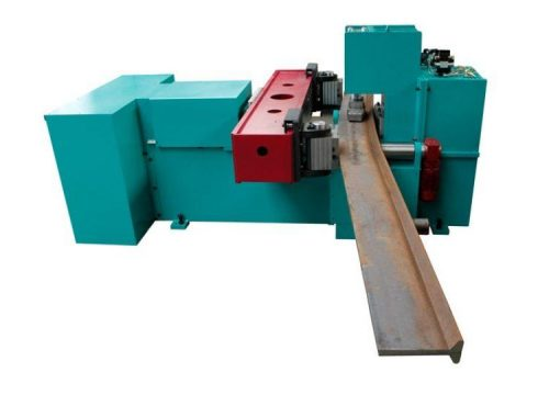 Bending machine for the ship building industry